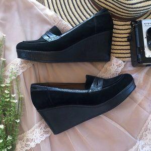 Donald J. Pliner Black Wedge Shoes Heels 10